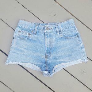 90s highwaisted jean shorts 4 Small 26 waist